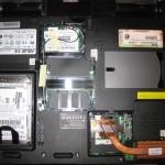 Чистим систему охлаждения, достаем жесткий диск и добавляем оперативную память на Asus A3E (A3500E)